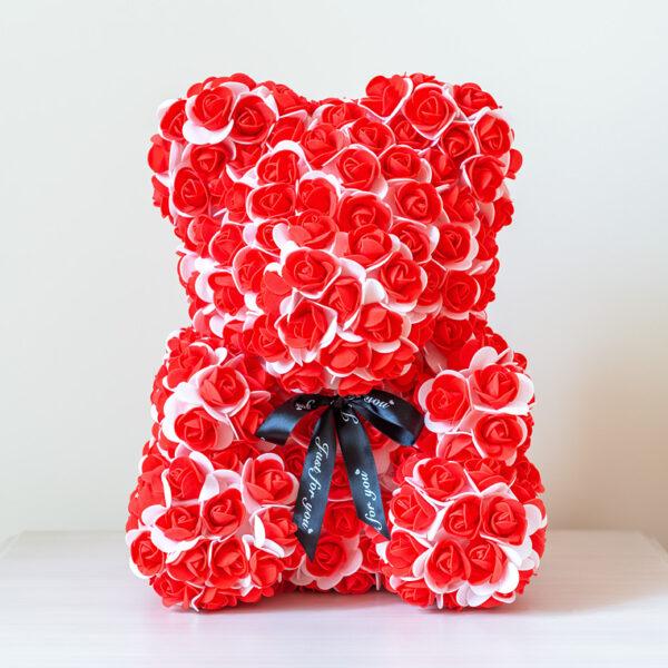 Zweifarbiger-Rosenbär-aus-roten-und-weißen-Rosen-40 cm