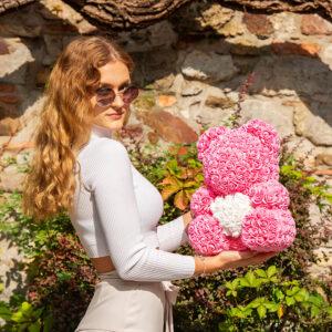 Rosenbären-aus-Rosa-Rosen-mit-weißem-Herzen-40-cm