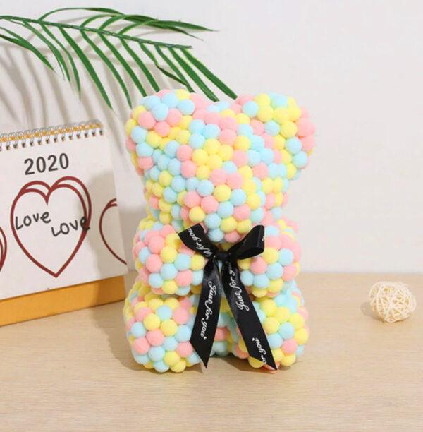 Teddybär-aus-mehreren-farbigen-Wattebällchen-25cm